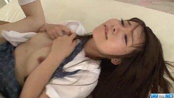 นักเรียนสาวรุ่น นุ่งกะโปรงบานสั้นสุดxxx Naosima Ai โดนเพื่อนร่วมชั้นเย็ดร้องอย่างเสียวPornโป๊เด็ดxxx